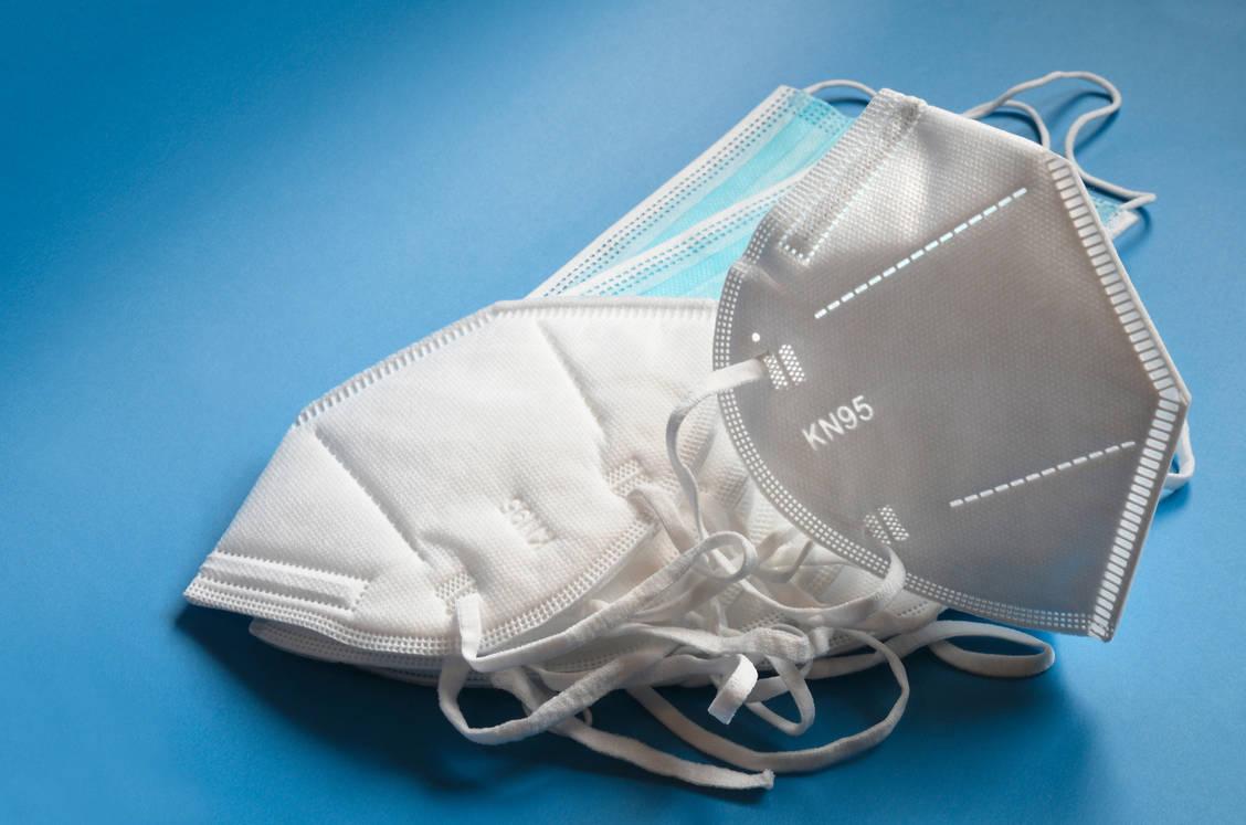 KN95-Masken sind keine FFP2-Masken. Unter gewissen Umständen dürfen sie jedoch als Schutzmasken verkauft werden. / Foto: Adobe Stock/Dan74